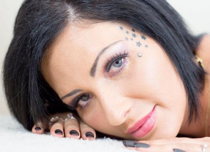 Catherine tayler adult model website design